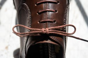60mm f/13 1/160s ISO200 (Nikon610 / AF-S Micro 60mm f2.8) ベルルッティ結び Berluti knot
