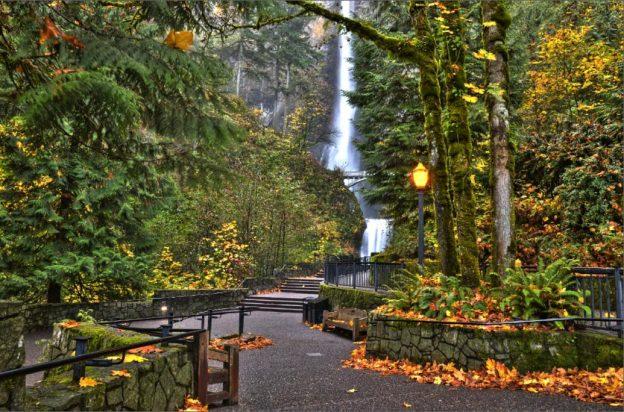 マルトノマの滝 HDR(multnomah falls)