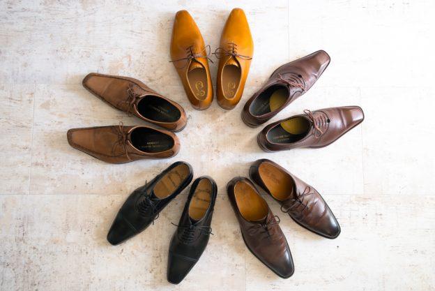 革靴 茶色 ホールカット チャッカブーツ サントーニ キャサリンハムネット ティートロクラシック