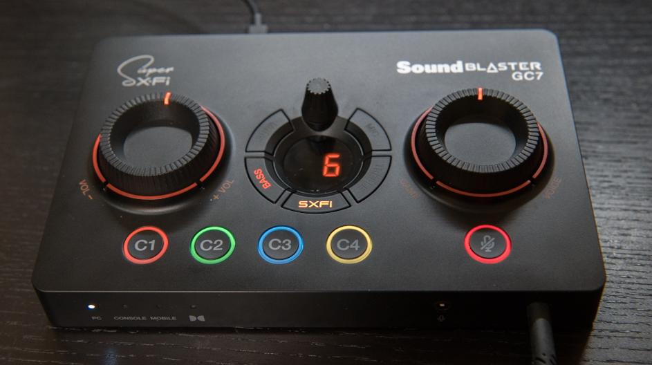 Sound Blaster GC7 Bass ボタン押下し、ダイヤルで調整